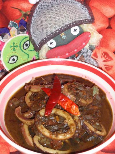 イカスミカレー&焼き茄子の胡麻ソース(お家カフェ)