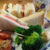 サンドウィッチのランチプレート