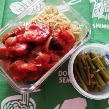 鶏モモと茄子のトマト煮込みとパスタ弁当