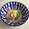 ほぐした魚の干物と梅粥