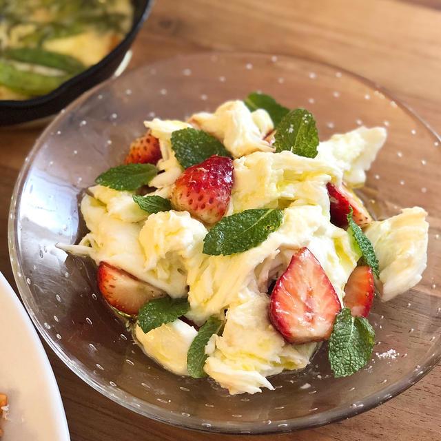 酸っぱいいちごがあうの♪「いちごとモッツァレラのサラダ」と6月のヤミーの3ステップクッキング