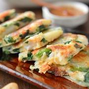 お餅とろ~り・チーズぱりぱり!「桜海老とニラのもっちり豆乳チヂミ」~お餅の残り消費レシピ5つ!