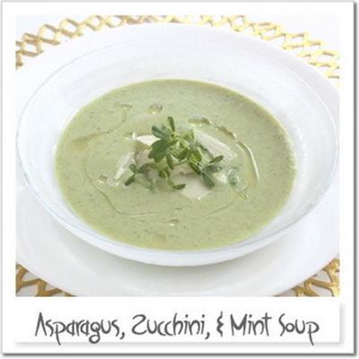アスパラガス、ズッキーニ、ミントの冷製スープ