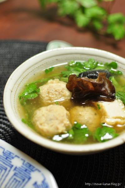 【鶏団子と春菊の中華風スープ】と昨日の晩ごはん