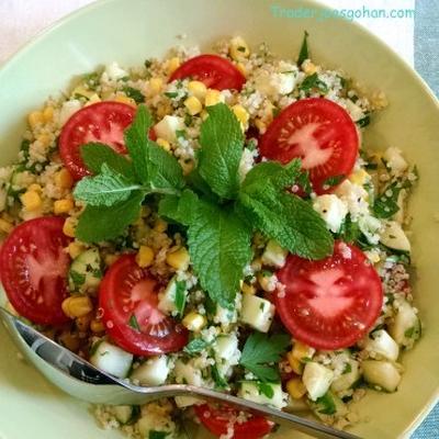 キヌアとハーブでタブーレ風サラダ Quinoa Tabbouleh Salad with Herbs