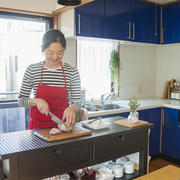 「見せるキッチン」をつくるラックのまねしたくなる使い方~にがはっぱさんの「世界一楽しいわたしの台所」