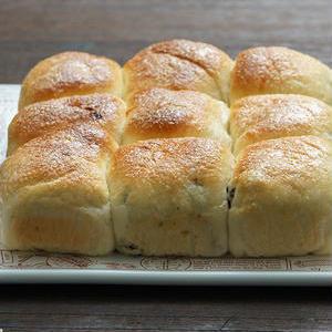 絶妙な甘さにやみつき♪「レーズンパン」のおすすめレシピ