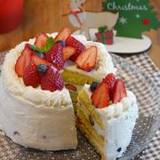 型もオーブンも不要!ホットケーキミックスでふわふわスポンジケーキの作り方!【クリスマスケーキ】