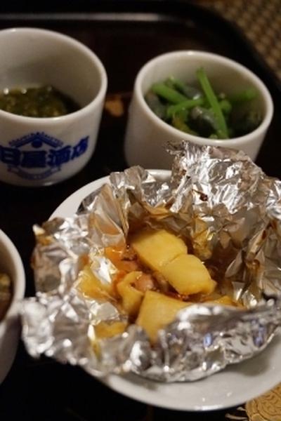 しこたま呑めるホヤレシピ、ホヤと塩辛のホイル焼き
