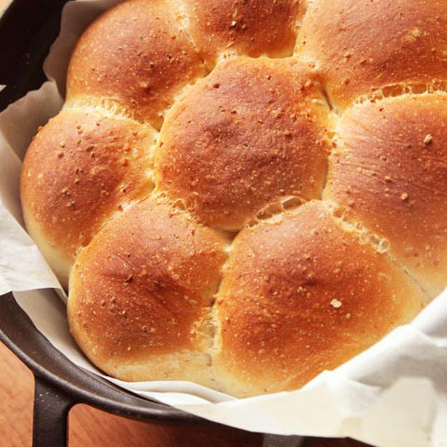 ストウブ鍋でちぎりパンを焼いてみた