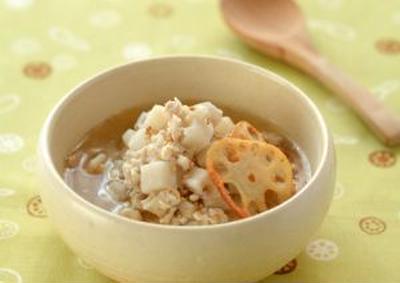 """鶏れんこんの中華風スープ。ハニーナッツパンプキンサラダ。""""秋の野菜おすそわけ"""""""