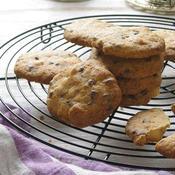 アニス風味のマカダミアチョコチップクッキー