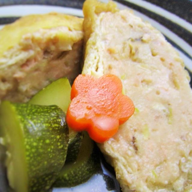 [水切り不要de簡単]秋鮭と豆腐の巾着煮 / 菊ご飯