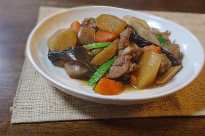 豚スペアリブと根菜の旨辛煮