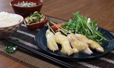 30分で4品!鶏胸肉で簡単献立レシピ(柔らか焼き鳥2種・梅水晶・スープ)