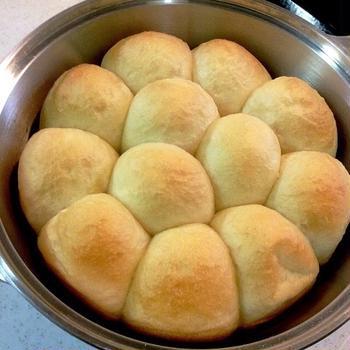 *無水鍋で花形パン*