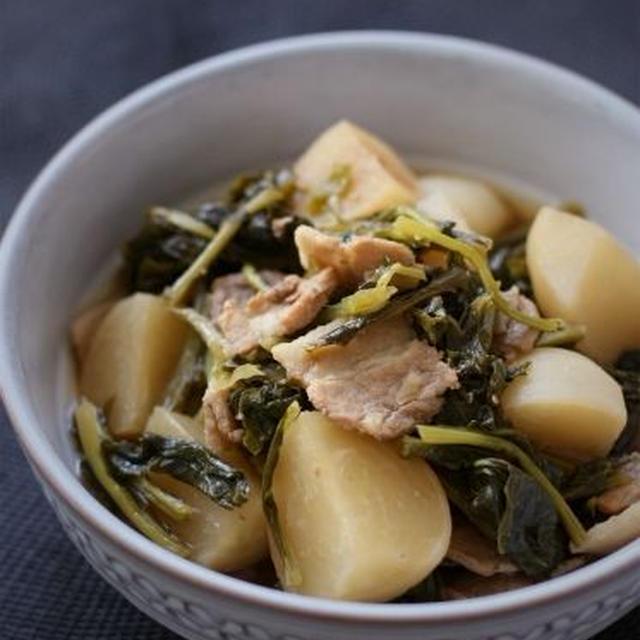 葉っぱも丸ごと♪カブと豚肉の煮物