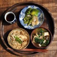 一汁一菜ごはん◆たけのこご飯、茄子と挽肉炒めの味噌汁、ホタテとスナップエンドウの塩麹いため