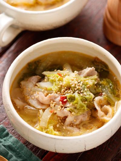 白菜と豚肉のピリ辛ごまみそスープ【#簡単 #時短 #節約 #副菜いらず #重ねて放置 #身体が温まる #おかずスープ #スープ】