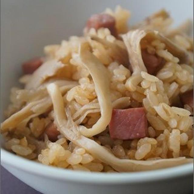 舞茸とチャーシューの中華風炊き込みご飯<レシピ>