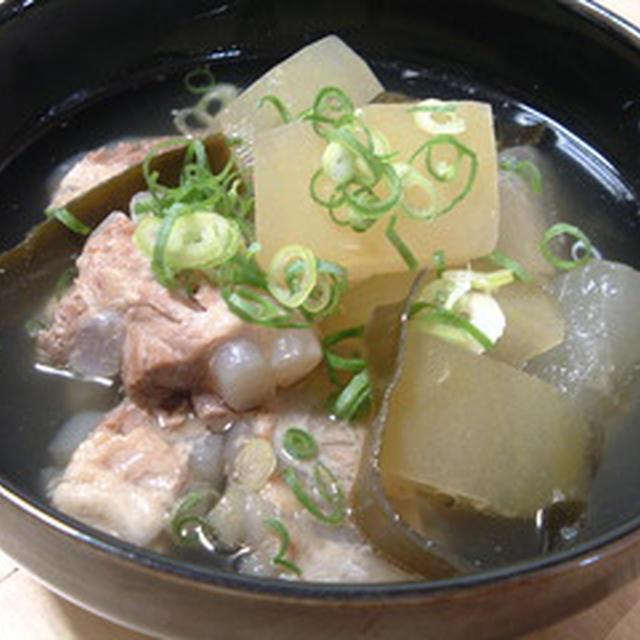 豚ナンコツと冬瓜のスープ