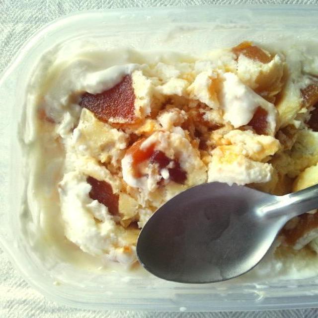 生クリーム不使用で、カラメルりんごのフローズンヨーグルト
