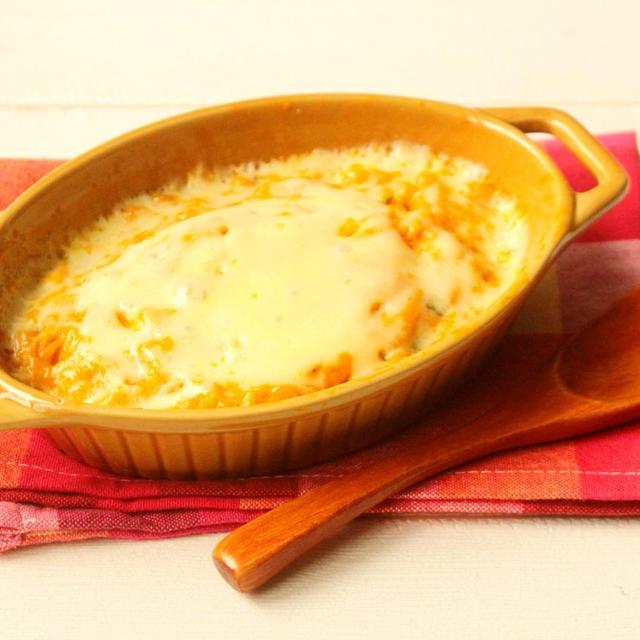 味付けはコーンスープの素だけ!材料3つで10分で完成。かぼちゃのコンポタチーズ焼きの作り方。