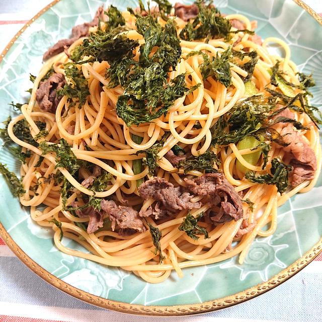 牛肉と小松菜の和風パスタに前田屋さんの海苔をトッピング、掲載