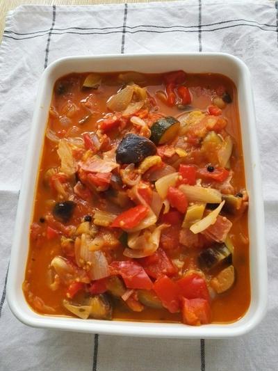 家ご飯なら簡単なのに、外食だと大変な『野菜たっぷり』の食事。