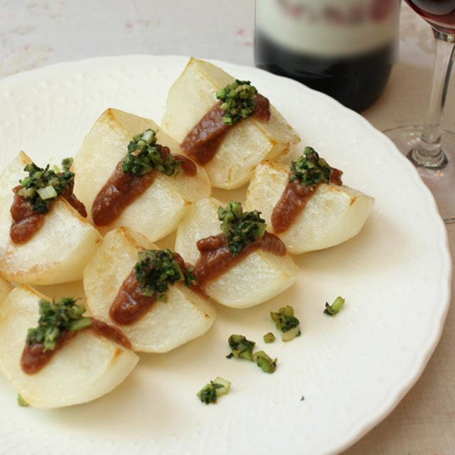 フライパン♪ほくほく焼きかぶのワイン味噌ソース