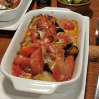 ソーセージとトマトのナツメグチーズ焼き