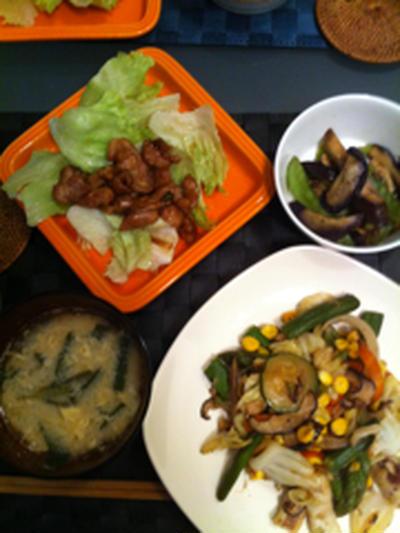 黒酢酢豚とイカと野菜のチャンポン炒め