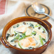 冷たいフライパンに入れてほったらかし♡鮭とほうれん草のクリーム煮♡