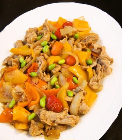 暑い季節にも食べやすい美味しさ☆めんつゆ活用☆豚こま肉と彩野菜のさっぱり炒め