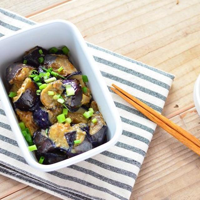 ご飯がすすむ。なすのピリ辛ラー油炒め