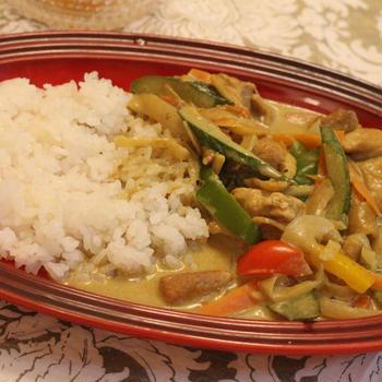 スパイスアンバサダー*チキンと野菜のココナッツカレー