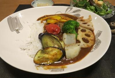 彩野菜カレーの晩ご飯