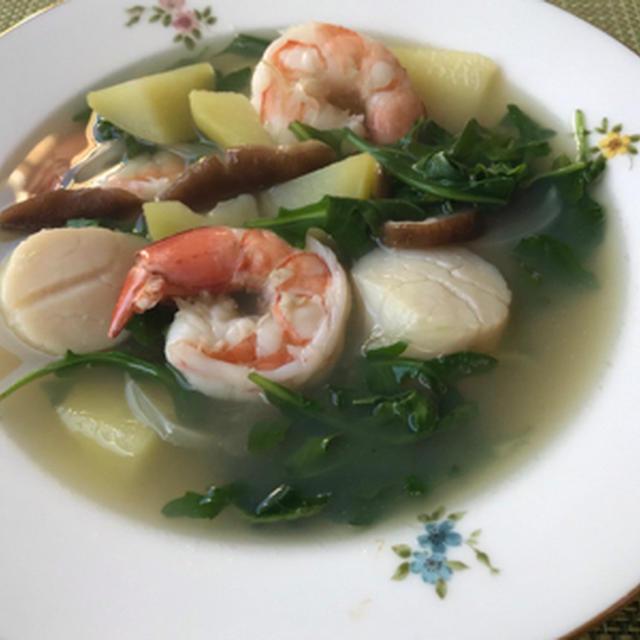 海老と帆立のスープ&カリフラワーのタブレサラダ