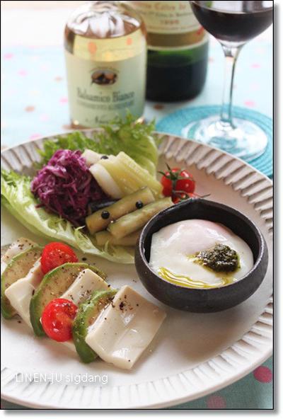 塩麹豆腐のカプレーゼと塩麹半熟卵
