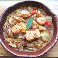 えびとキャベツと舞茸と春雨のエスニック風スープ