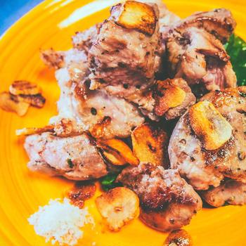 60℃ 豚肩ロースのサイコロステーキ