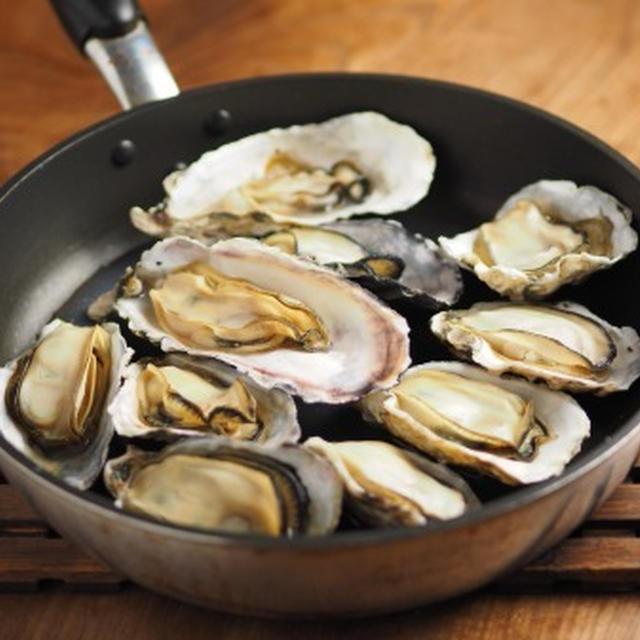 フライパンで簡単!殻付き牡蠣の蒸し方