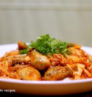 今が美味しい「牡蠣キムチ炒め」&「ボーイ」頑張ってくれてます!!