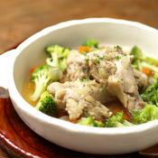 手羽元とブロッコリーのスープ煮