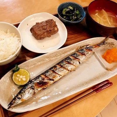 秋刀魚定食!一番人気は肉巻き高野豆腐でした〜