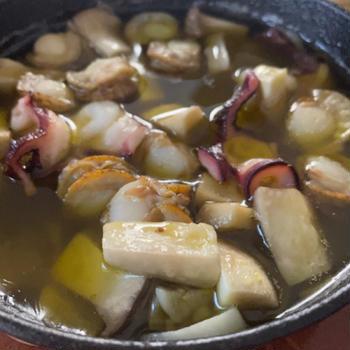 アヒージョとシメの青唐辛子素麺