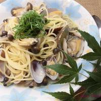 焼きあごと焼き煮干のおだしでアサリとしめじのスープパスタ【ヤマキだし部】