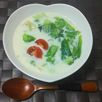 ☆レタス塩味の豆乳レタススープ☆