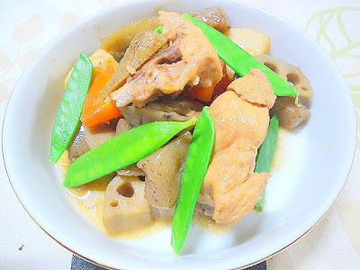 """ヘルシーな根菜と骨付き鶏の旨さを一緒に """" 炒り鶏 """""""