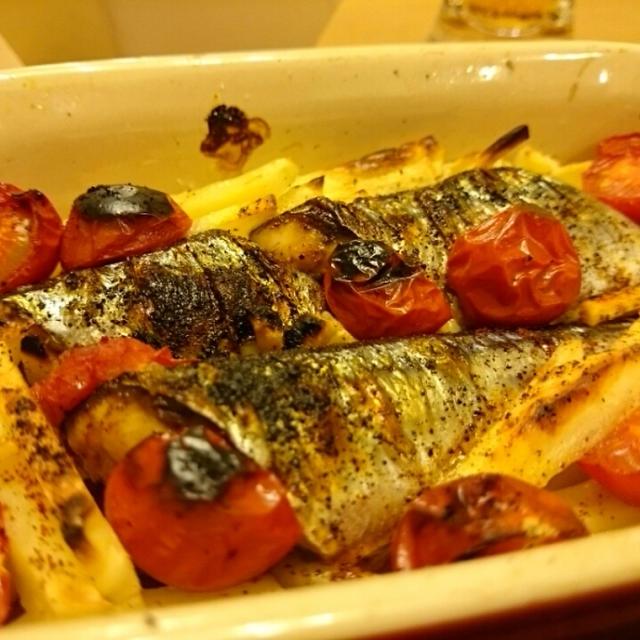 秋刀魚じゃがいもトマトのにんにくオイル焼き チリパウダー